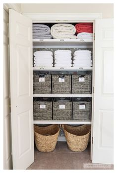 Linen Closet Organization, Closet Storage, Bathroom Organization, Bathroom Storage, Small Bathroom, Clutter Organization, Organize A Linen Closet, Airing Cupboard Organisation, Cupboard Ideas