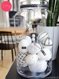 Composition d'oeufs décorés au washi tape pour Pâques