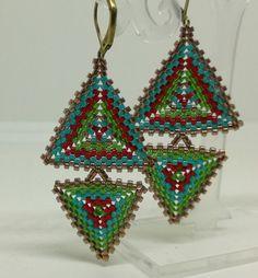 Ohrringe mit Delicas in Fädeltechnik angefertigt Beaded Bead, Crochet Earrings, Beads, Jewelry, Earrings, Beading, Bead, Jewels, Pearls
