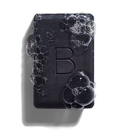 Charcoal Cleansing Bar - This was my very first Beautycounter purchase and I'll never not have this face wash. This cleansing bar is ideal for oil or blemish-prone skin and absorbs impurities without over drying my skin. Homemade Moisturizer, Face Scrub Homemade, Homemade Skin Care, Homemade Beauty, Charcoal Bar, Cucumber Face Mask, Organic Green Tea, Thing 1, Organic Coconut Oil