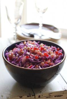10 salater til juleand og flæskesteg | Tilbehør julemad >> Roasted Meat, Roasted Vegetables, Easy Salad Recipes, Easy Salads, Crab Stuffed Avocado, Light Summer Dinners, Cottage Cheese Salad, Broccoli Pesto, Salad Dishes