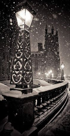 """Dead of Night"" Edinburgh in Winter 