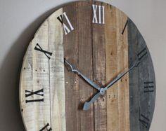 Reloj de madera de palet redonda reloj de madera reciclada.