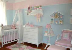 Decoração de quarto de bebê feminino azul e rosa