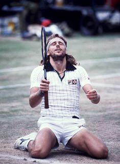 1974 Tennis, Bjorn Borg, remporte à 17 ans son premier tournoi du grand chelem - à Rolland Garros.