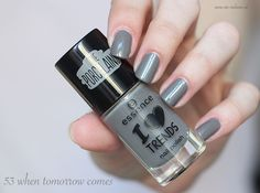 Essence i love trends Nagellack the porcelains 53 when tomorrow comes