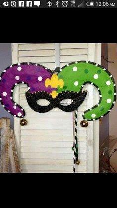 Mardi Gras – Deko ideen - To Have a Nice Day Diy Carnival Games, Carnival Crafts, Carnival Food, Mardi Gras Decorations, Carnival Masks, Carnival Tent, Carnival Prizes, Mardi Gras Outfits, Mardi Gras Costumes