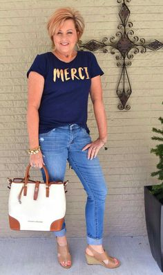 50 Is Not Old Jewelry Classic Or Trendy Casual outfit Jeans + T-shirt Fashion over 40 for the everyday woman Clothes For Women Over 50, Fashion For Women Over 40, 50 Fashion, Plus Size Fashion, T Shirts For Women, Fashion Outfits, Fashion Trends, Fashion Ideas, Trendy Fashion