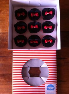 Feliz, Minnie Cupcakes