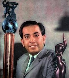 A rare photo of the great Indian singer, Mahendra Kapoor.