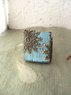 Shabby chic from a scrabble tile ... very cool.
