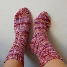Easy peas socks free knit pattern