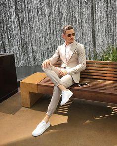 Mens Fashion Casual – The World of Mens Fashion Smart Casual Blazer Outfit, Smart Casual Men, Gq Fashion, Mens Fashion Blog, Fashion Flatlay, Trends Magazine, Fine Men, Sexy Men, Sexy Guys