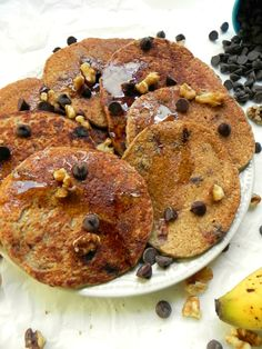 banana oat blender pancakes (recipe makes about a whole week's worth for one person)