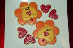 Valentine lion cookies by Jillfcs - flower cookie cutter and a heart cookie cutter. Lion Cookies, Fancy Cookies, Cut Out Cookies, Iced Cookies, Cute Cookies, Sugar Cookies, Cookie Icing, Royal Icing Cookies, Cookie Cutters