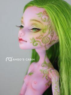 'Leaf' custom Operetta by Mango