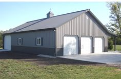 Centerville, IN - Garage Building - Lester Buildings Project: 211345 Barn House Plans, Barn Plans, Shed Plans, Garage Plans, Pole Barn Garage, Pole Barn Homes, Pole Barns, Pole Barn Shop, Garage Doors