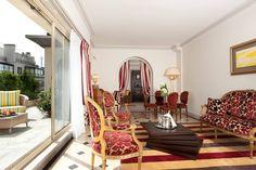 Les Mercredis Gourmands ! Il n'y a pas d'heure pour une coupe de champagne dans votre Suite...  #MajesticHotelAndSpaParis #LesHotelsBaverez #Champagne