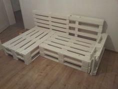 Framework of the sofa made of europallets - Europaletten sofa - Design Rattan Furniture Diy Furniture Nightstand, Ikea Furniture, Pallet Furniture, Cool Furniture, Furniture Removal, Inexpensive Furniture, Furniture Online, Discount Furniture, Garden Furniture