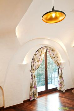 Organic House Interior Among Unique Wall Design Combined With Wooden Flooring Ideas With Traditional Pendant Lighting Mumbai, Taj Mahal, Drapery Styles, Traditional Pendant Lighting, Apartment Interior Design, White Rooms, Window Design, Floor Design, Modern Room