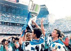 Fran and Jose Ramon raise the first Copa Del Rey -RC Deportivo de la Coruna won against Valencia at the Bernabeu Fc Barcelona, Bernabeu, Valencia, Spanish, Iphone, Movies, Display, Backgrounds, Football Soccer