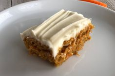 Yummy Carrot Cake is easy to make! It is simple but delicious! Carrot Cake Bars, Easy Carrot Cake, Moist Carrot Cakes, Easy Cake Recipes, Frosting Recipes, Dessert Recipes, Loaf Recipes, Carrot Recipes, Banana Recipes