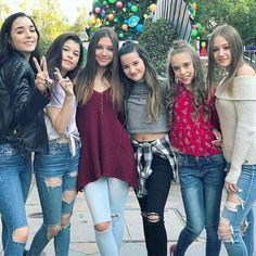 # chicken girls # better at danceing all of the girls Annie Grace, Annie Lablanc, Chicken Boy, Annie Leblanc Outfits, Annie And Hayden, Girl Drama, Hayden Summerall, Bratayley, Ordinary Girls