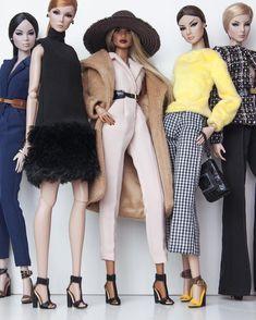 Barbie Dolls : NuFace ladies by Shantommo Barbie Gowns, Barbie Dress, Barbie Clothes, Barbie Outfits, Moda Fashion, Covet Fashion, Fashion Royalty Dolls, Fashion Dolls, Custom Barbie