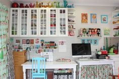 Ballarat Patchwork's sewing space - Gorgeous Ikea overhead cupboards and LOVE the rainbow glassware! Coin Couture, Sewing Spaces, Sewing Rooms, Sewing Art, Space Crafts, Home Crafts, Craft Space, Sewing Room Organization, Organizing Tips