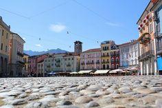Die alte Piazza in Locarno, Asconas großer Schwester.