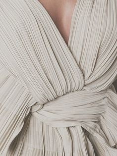 18 Ideas Fashion Inspiration Couture Texture For 2019 Fashion Mode, Look Fashion, Fashion Tips, Fashion Trends, Fashion Gone Rouge, Fashion 2018, Fashion Bloggers, Hijab Fashion, Fashion Fashion