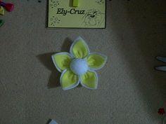 flor de fieltro...by mi