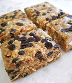 """101 """"Μου αρέσει!"""", 0 σχόλια - Change Eat (@changeeat) στο Instagram: """"Raw oat bars.  Ingredients for 15 bars: . •       1 cup dried dates (without the seeds) •       2…"""" Cookies, Desserts, Instagram, Food, Crack Crackers, Tailgate Desserts, Deserts, Biscuits, Essen"""