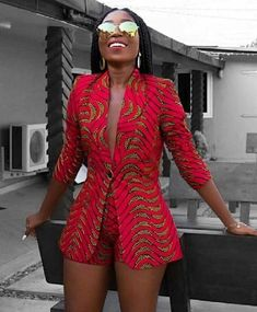 Afrikaanse print blazer jas met korte broek-Ankara print-Afrikaanse jurk-tweedelige outfit-hand gemaakt-Afrika kleding-Afrikaanse mode - Women's style: Patterns of sustainability African American Fashion, African Inspired Fashion, African Print Fashion, Africa Fashion, African Fashion Dresses, African Prints, African Outfits, African Clothes, Ankara Fashion
