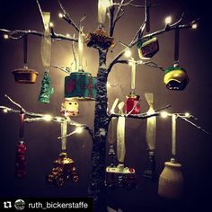 Still loving this tree featuring our little New York collection, little English Christmas and more! English Christmas, Christmas Crackers, Statue Of Liberty, Festive, New York, Instagram Posts, Collection, Xmas, Christmas Biscuits