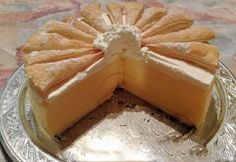 Krémové koláče patří mezi oblíbené. Krémeš dort je však ještě lepší - krémovější a jemnější než v obchodě.