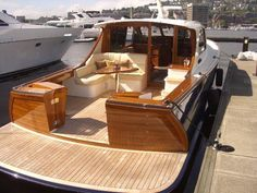 www.yachtforums.com attachments 05_hardtopexpress_50_transom2-jpg.13538