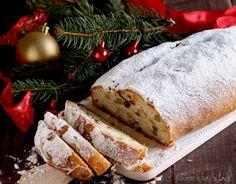 Stollen di Natale: un dolce natalizio tipico in Germania. E' un lievitato, simile al panettone, basso e lungo. Di consistenza compatta e molto gustoso.