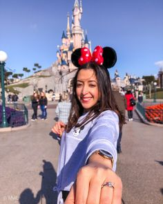 color from image color from images Disneyland Paris, Disneyland Proposal, Boss Babe, Girl Boss, Make Money Online, How To Make Money, Parc A Theme, M Image, Linda Park