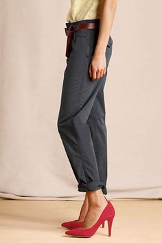 Outfit 3: Women's Pleated Slim Slouch Chinos from Lands' End Canvas in wrought iron! A great comfy neutral pant! #CanvasChinos