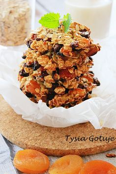 Szybkie ciasteczka owsiane   Tysia Gotuje blog kulinarny Sweet Little Things, Healthy Sweets, Cereal, Deserts, Food And Drink, Dessert Recipes, Favorite Recipes, Eat, Breakfast