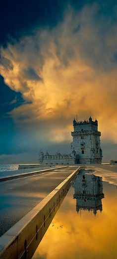 Torre de Belém reflection, Lisboa.