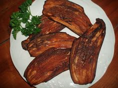 Bacon végétal(aubergine trempée dans de l'huile et du tamari puis deshydratée)