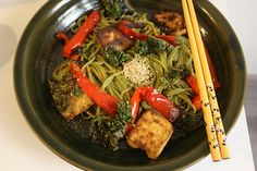 Green tea soba noodl