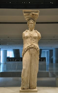 Celebrate at the Acropolis Museum with free entrance for all visitors from 9 a.m. until 5 p.m. !