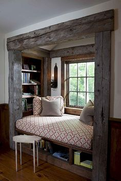 Nice 95 Beautiful Farmhouse Master Bedroom Decor Ideas https://homeastern.com/2018/02/01/95-beautiful-rustic-farmhouse-master-bedroom-ideas/