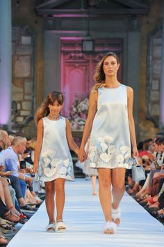 """""""Mommy and I on the runway walk. Mother Daughter Pictures, Mother Daughter Matching Outfits, Mother Daughter Fashion, Mommy And Me Outfits, Couple Outfits, Girl Outfits, Frocks For Girls, Little Girl Dresses, Girls Dresses"""