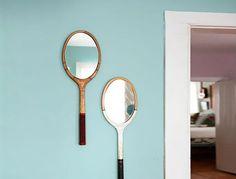 Trasformate racchette da tennis old style in specchi.