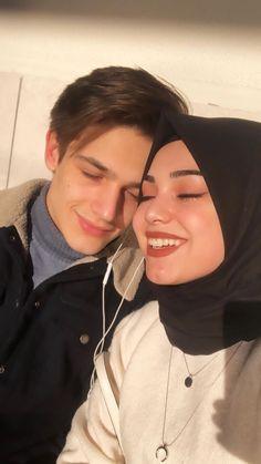Cute Muslim Couples, Muslim Girls, Cute Couples Goals, Couple Goals Relationships, Cute Relationship Goals, Korean Couple, Best Couple, Modest Fashion Hijab, Anime Muslim