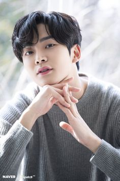 Kim Taehyung Funny, Neoz School, Handsome Korean Actors, Chines Drama, Chani Sf9, Sf 9, Kdrama Actors, Fnc Entertainment, Asian Actors